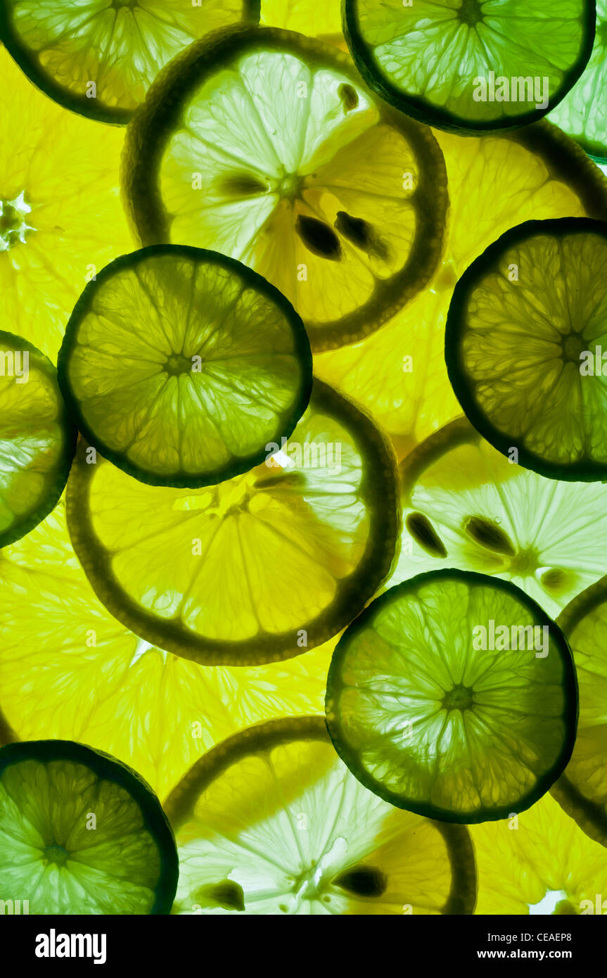 Scheiben von Zitronen, Limetten und Orangen Stockbild