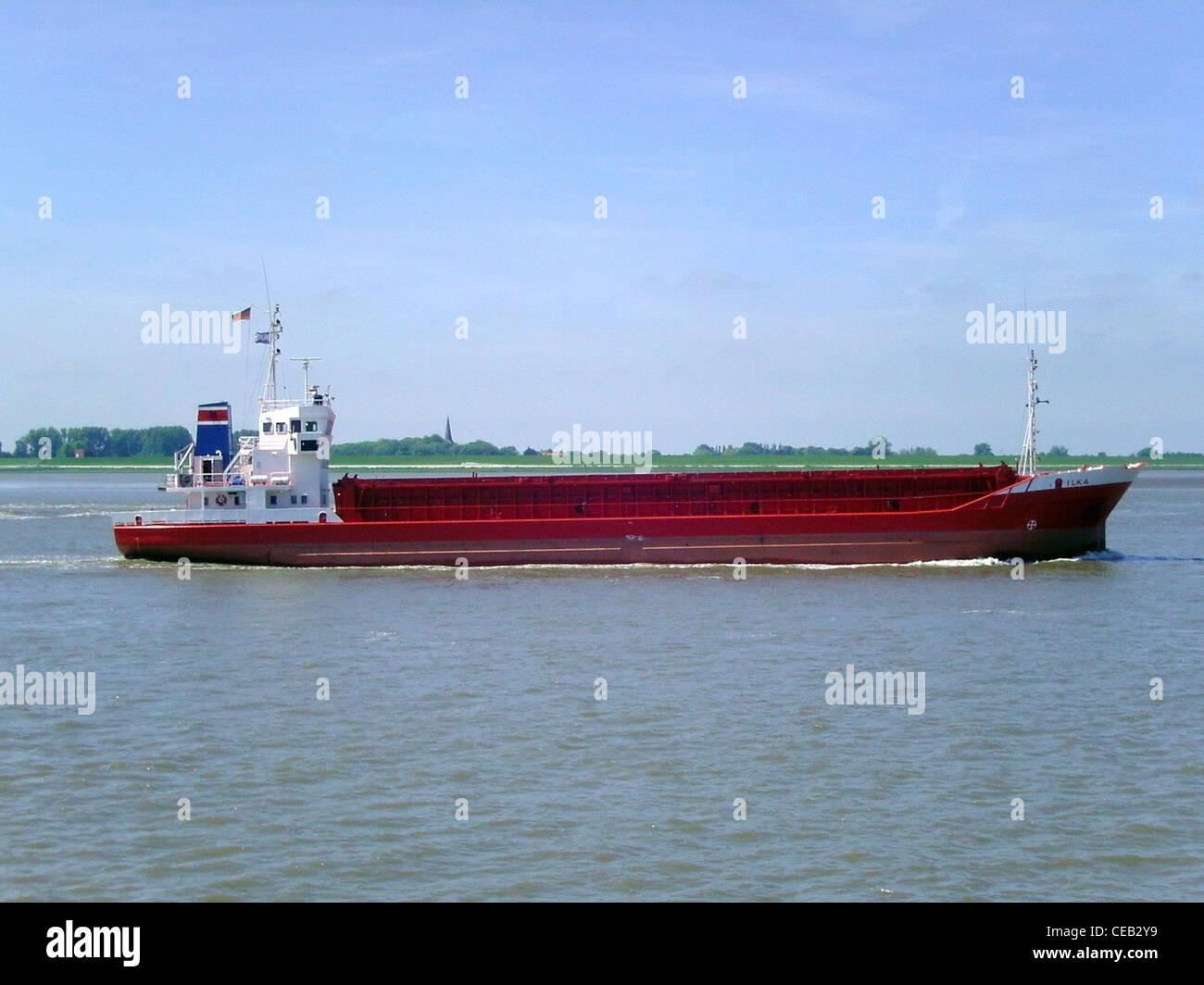 Coastal Motorschiff Ilka auf die Überschrift der Fluss Weser in die Nordsee Stockbild