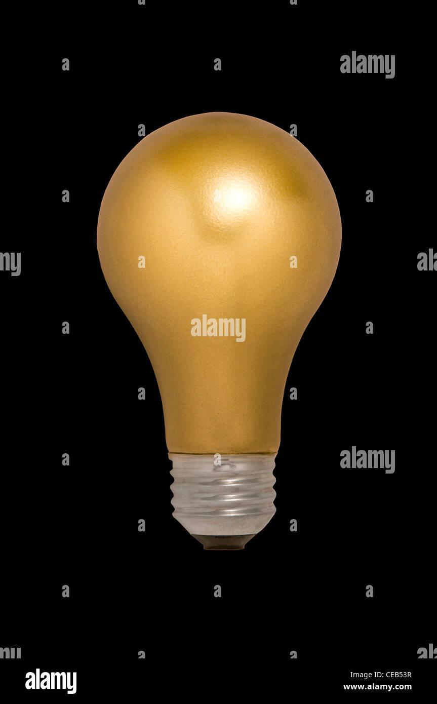 Gold Glühbirne vor einem schwarzen Hintergrund schweben Stockbild
