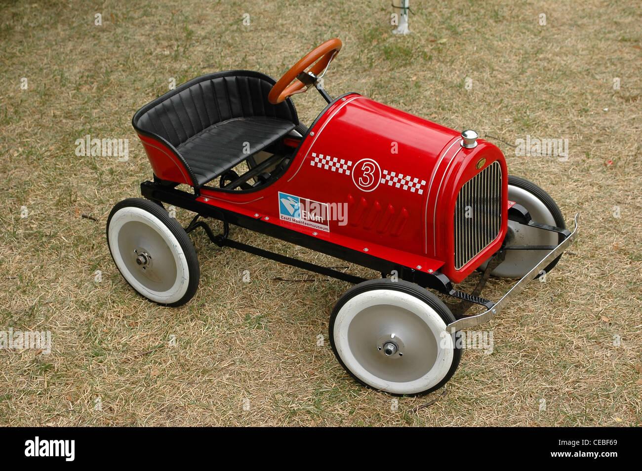 vintage toy car stockfotos vintage toy car bilder alamy. Black Bedroom Furniture Sets. Home Design Ideas