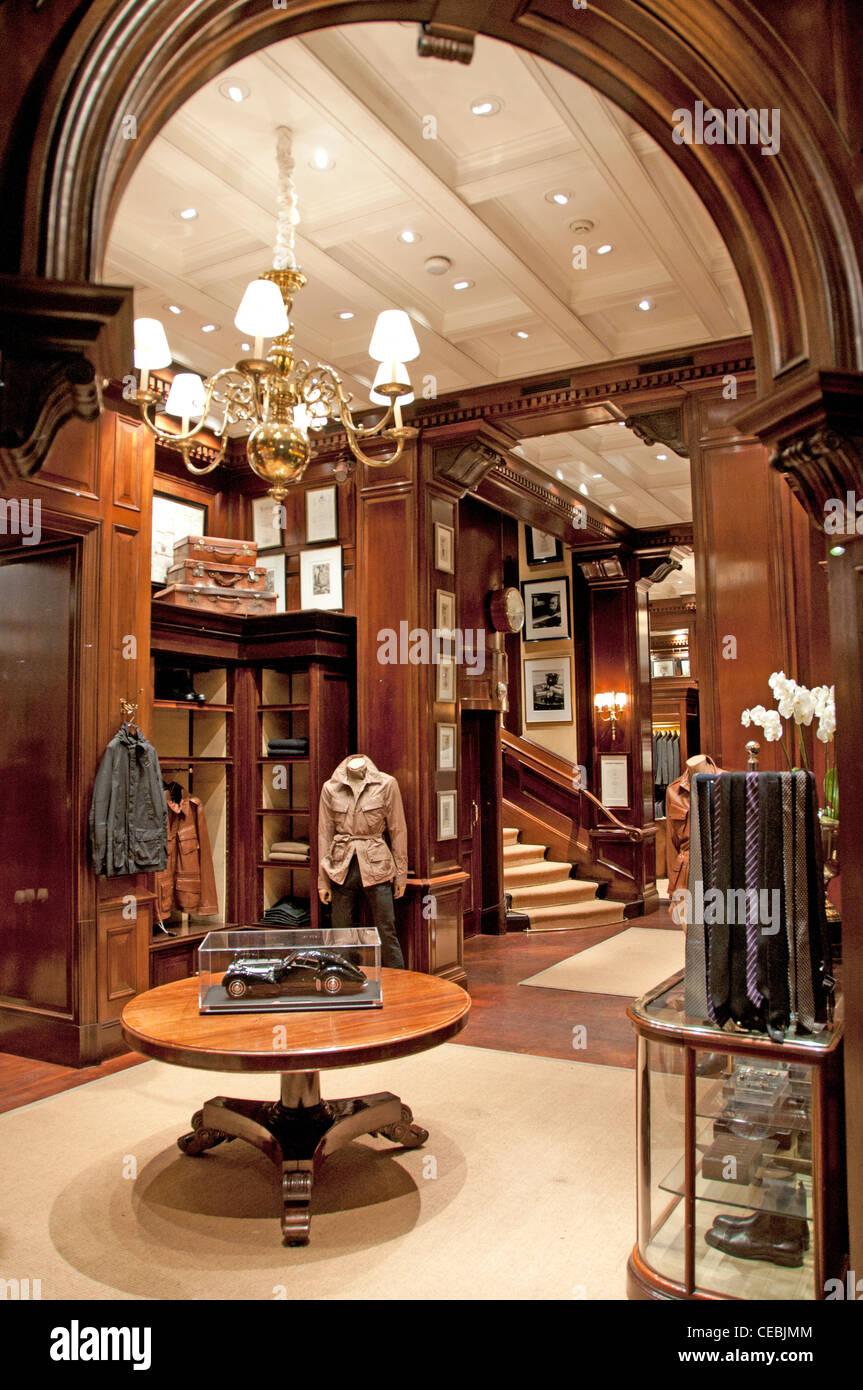 Paris Frankreich Modedesignerin Couturier Ralph Lauren Place Madeleine  Stockbild 924f670917