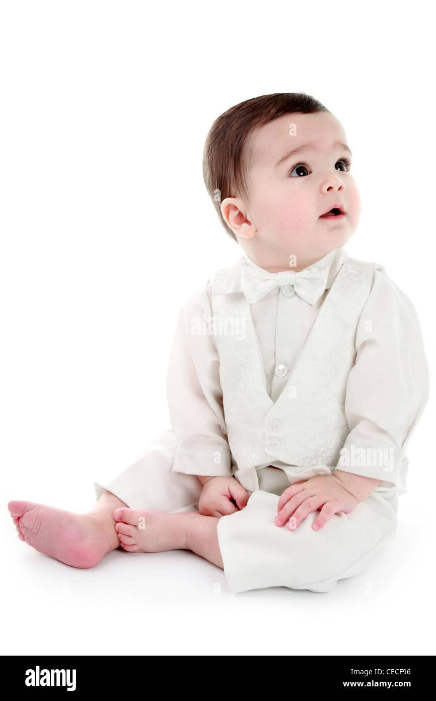 Niedliche Baby Boy Mit Taufe Outfit Isoliert Auf Weiss