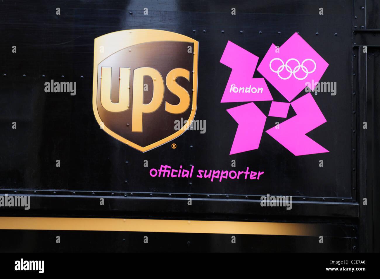 UPS Parcel Courier Lieferung LKW Detail mit London 2012 offizieller Supporter Logo, Cambridge, England, UK Stockbild