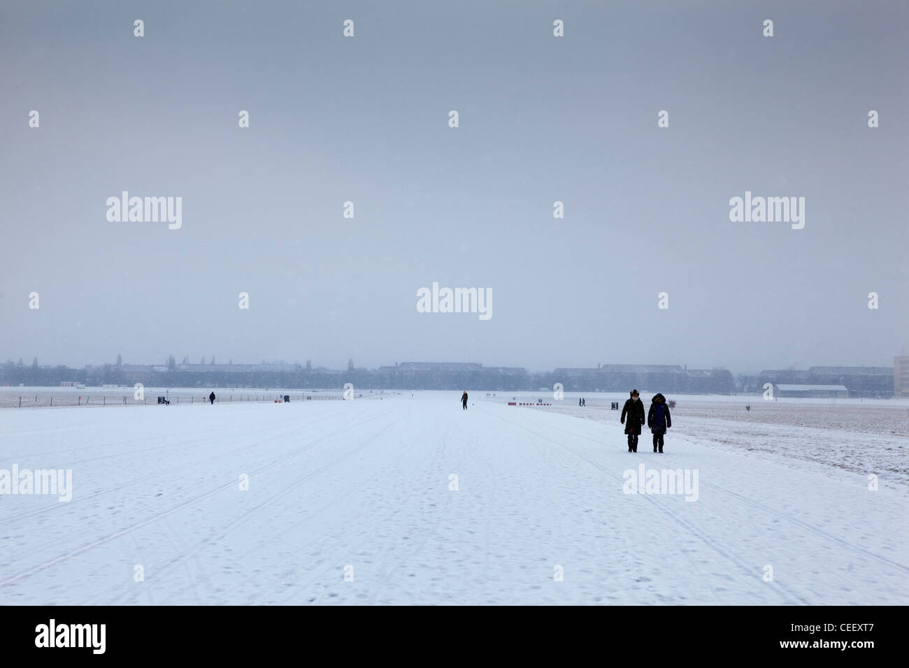 Berlin Deutschland Winter im Flughafen Tempelhof, die in einen Park umgewandelt worden Stockfoto
