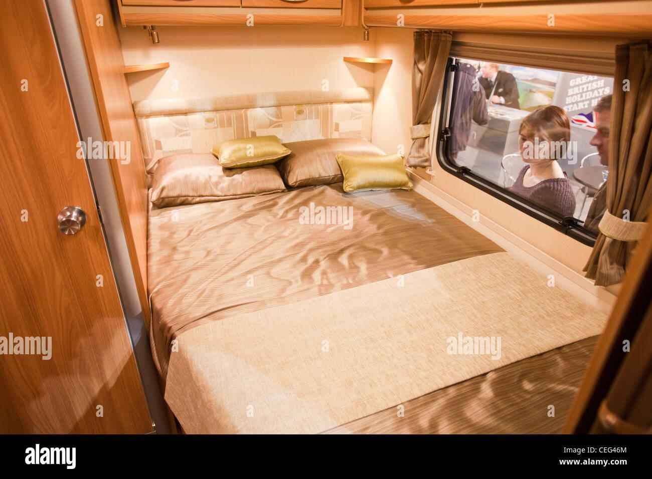 Ein Wohnwagen Interieur auf der Caravan und Reisemobil Messe Event ...