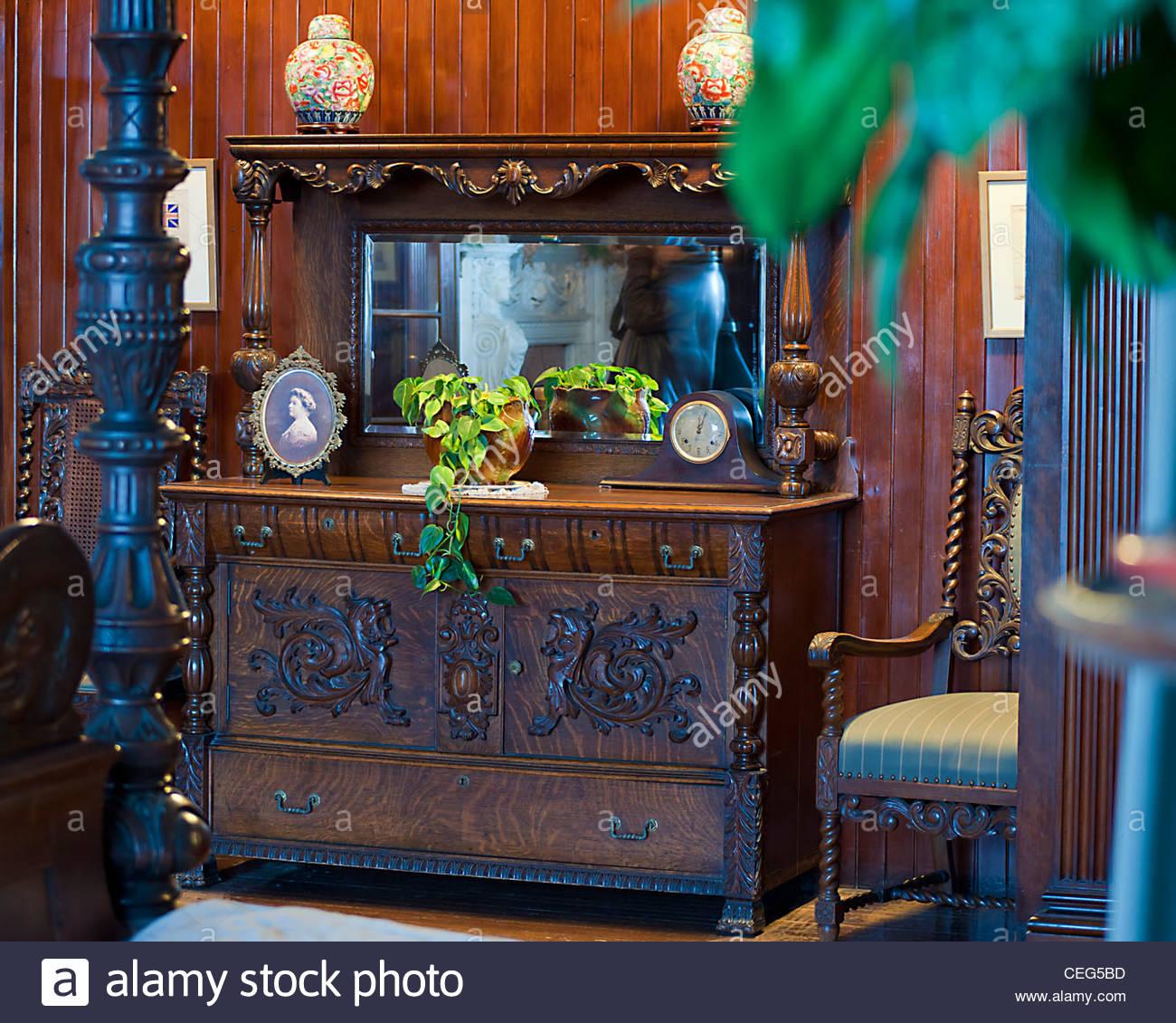 Henry Mill Palette Schlafzimmer in Casa Loma. Detail. Vintage ...