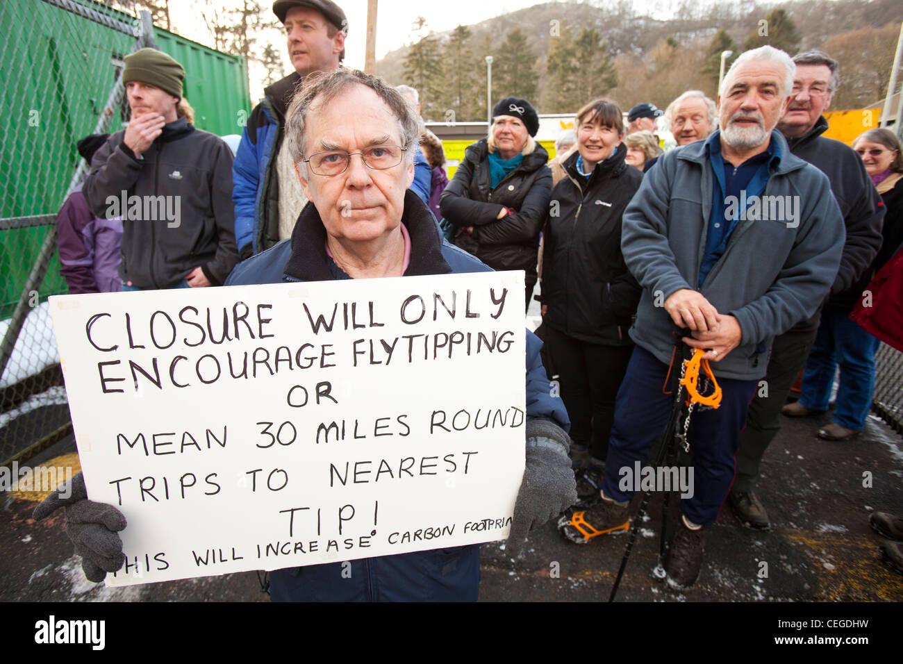 Eine Demonstration in Ambleside Haushalt recycling-Zentrum und Spitze als Cumbria County Council vorgeschlagen zu Stockbild