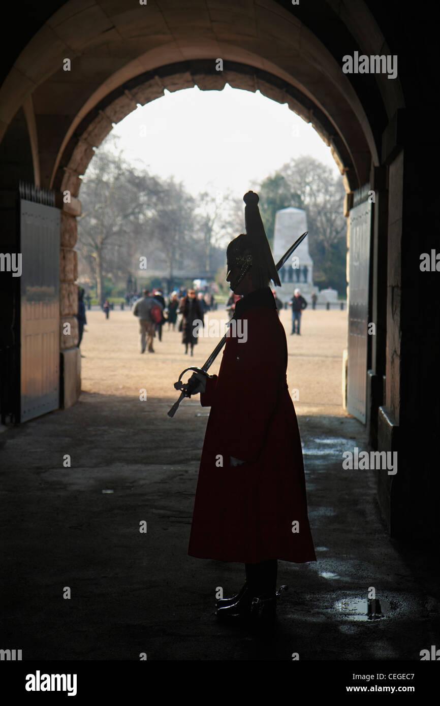 Zeremonielle Wachposten am Horse Guards Arch, London. Stockbild