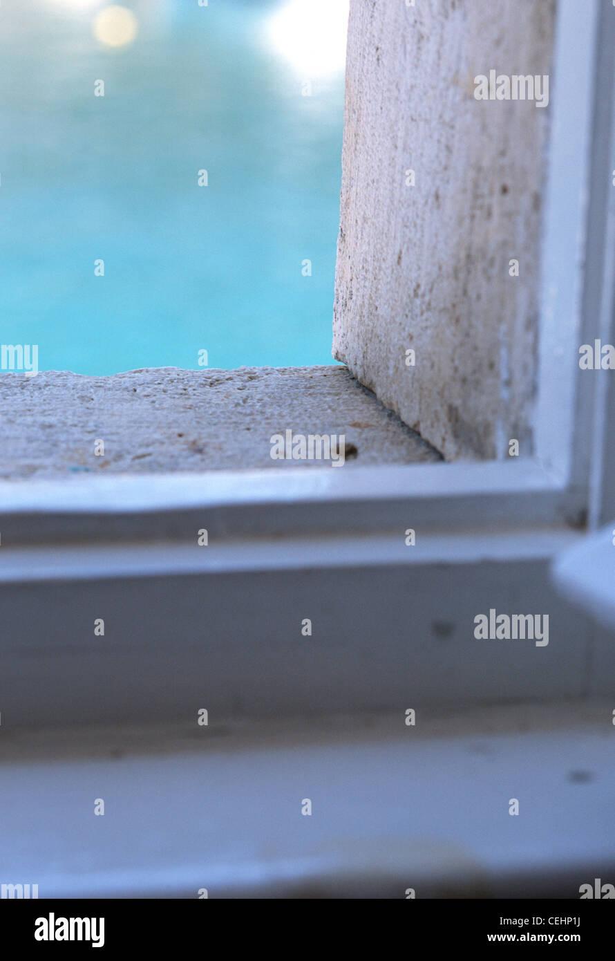 Offenes Fenster Meerblick von einer Wohnung, Komiza, Vis, Kroatien Stockbild