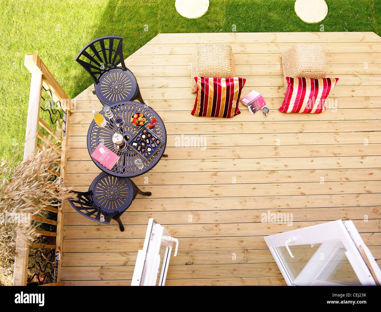 Deck Chairs And Garden Stockfotos und  bilder Kaufen   Alamy