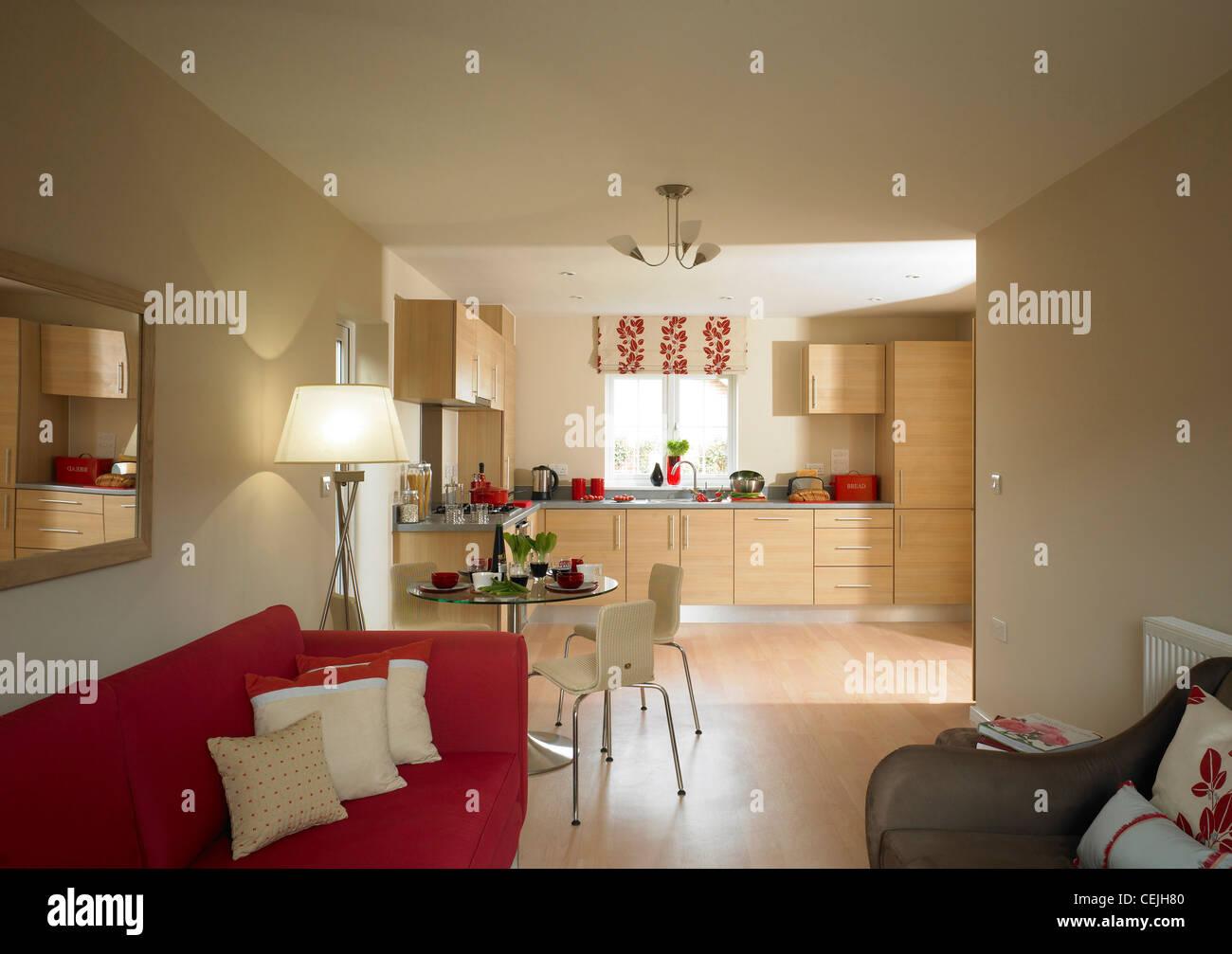 Offener Blick auf Küche und Lounge-Bereich Stockfoto, Bild: 43434608 ...