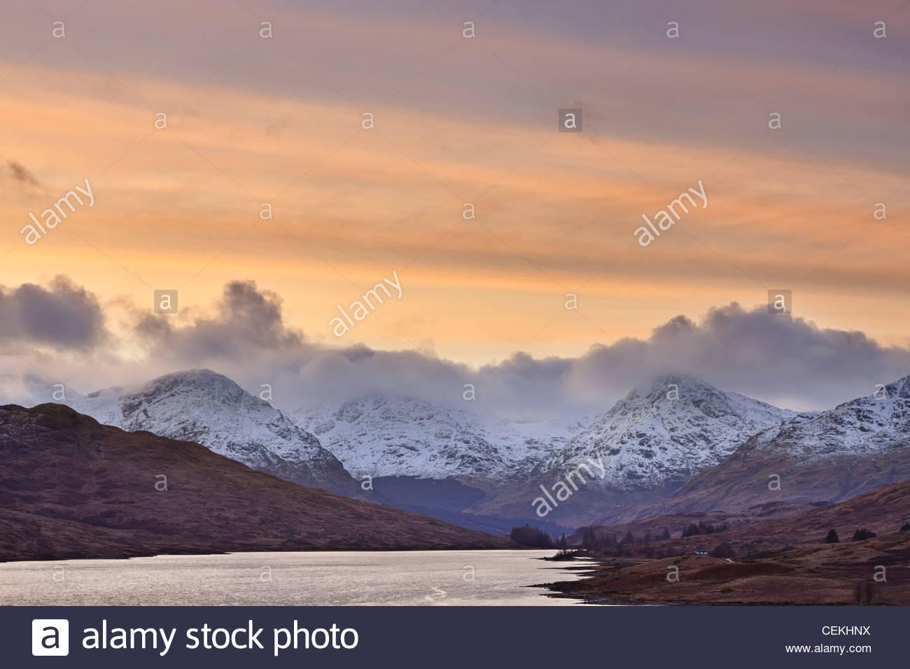 Loch Arklet und den Arrochar Alpen, Loch Lomond und Trossachs National Park, Bezirk Stirling, Schottland Stockbild