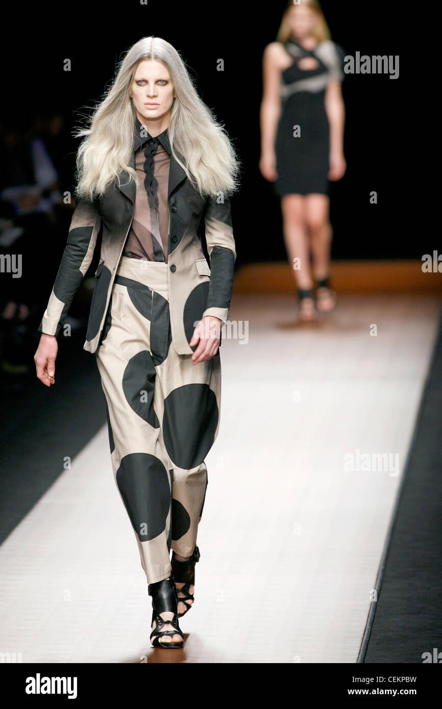 Givenchy Paris Bereit Tragen Frühling Sommer Weibliche Graue Haare