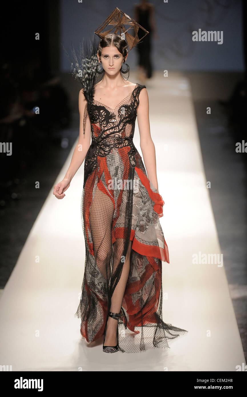 Jean Paul Gaultier Paris Haute Couture Frühjahr Sommer voller ...