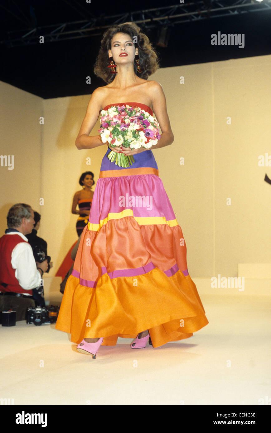 Yves Saint Laurent Frühling Sommer kanadische model Linda ...
