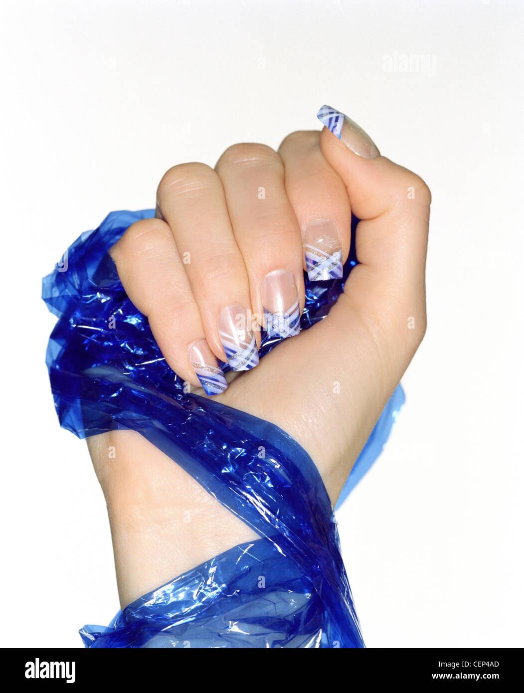 Hand Nail Cross Stockfotos & Hand Nail Cross Bilder - Alamy