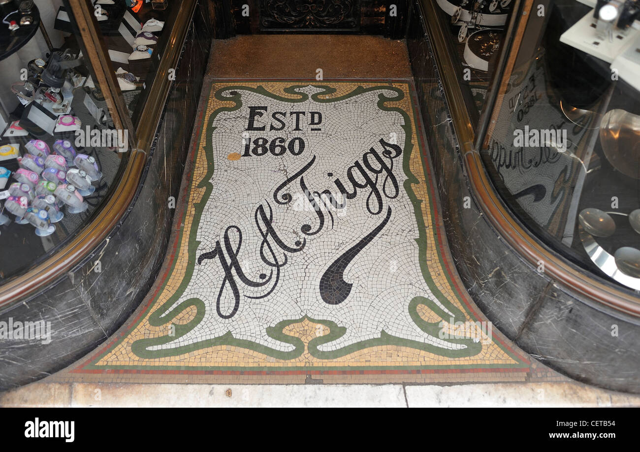 Jugendstil-Fliesen in einer Ladenzeile in Blackheath London Stockbild