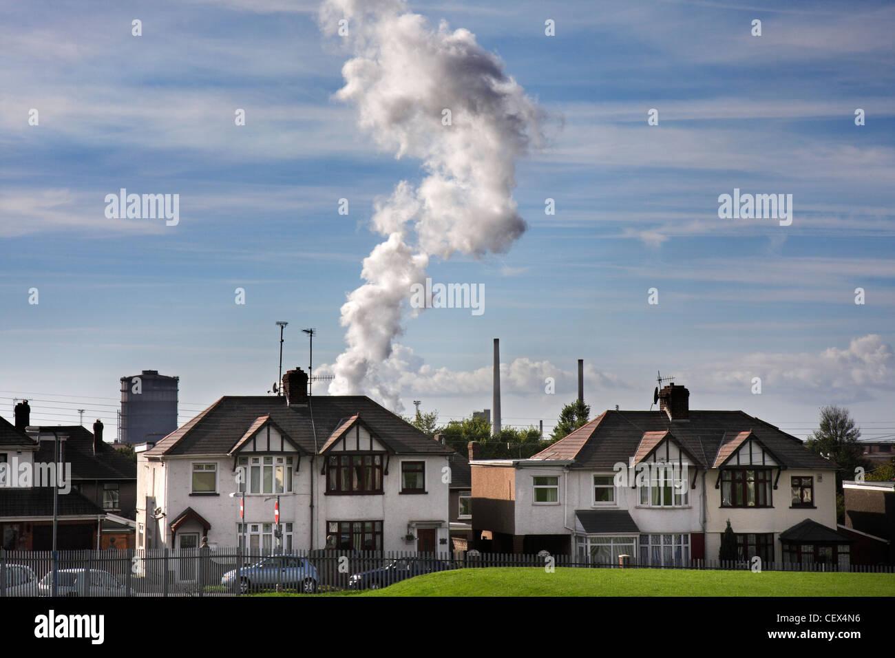 Ein Blick in Richtung Port Talbot Stahl arbeitet in Wales. Stockfoto