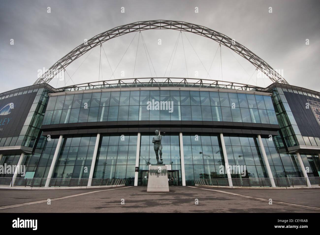 Außenaufnahme des neuen Wembley-Stadion. Austragungsort der Olympischen Spiele 2012 London und Heimat der englischen Stockbild