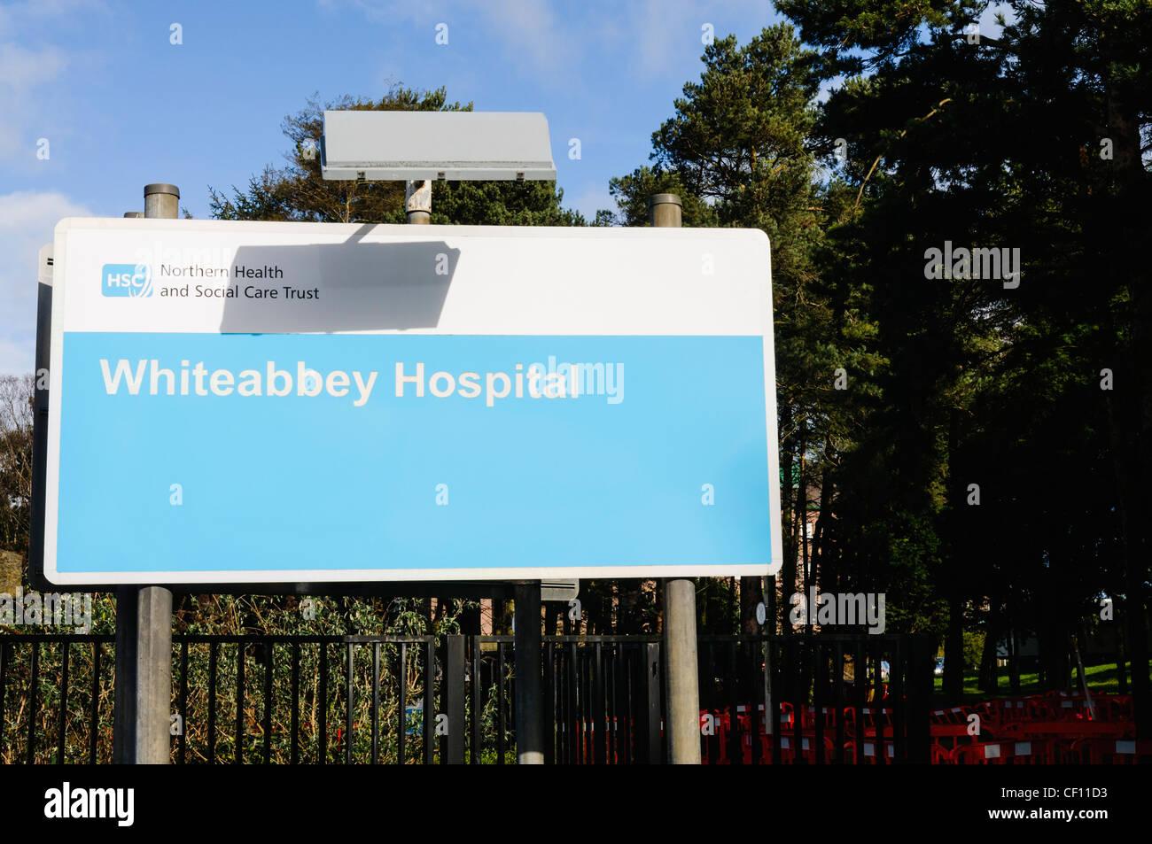 Schild am Whiteabbey Krankenhaus Stockbild