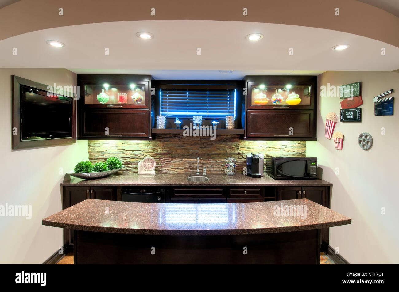 Mini Bar House Stockfotos & Mini Bar House Bilder - Alamy