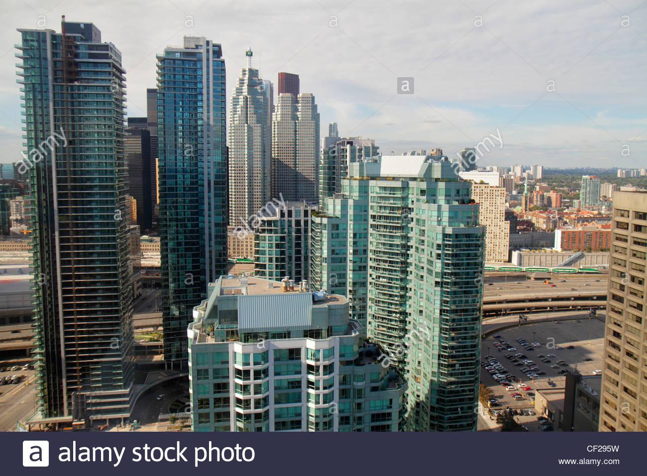 Kanada ontario toronto harbourfront nachbarschaft for Moderne architektur gebaude