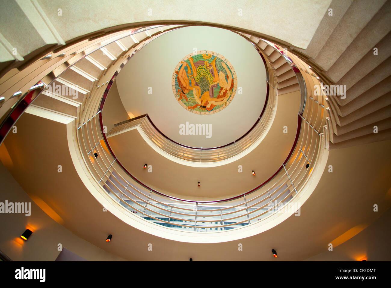 Wendeltreppe im kürzlich renovierten Jugendstil Midland Hotel. Stockbild