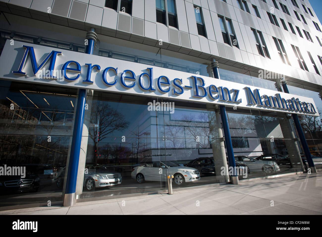 Das Flaggschiff von Mercedes-Benz Manhattan Händler sieht man in ihr ...