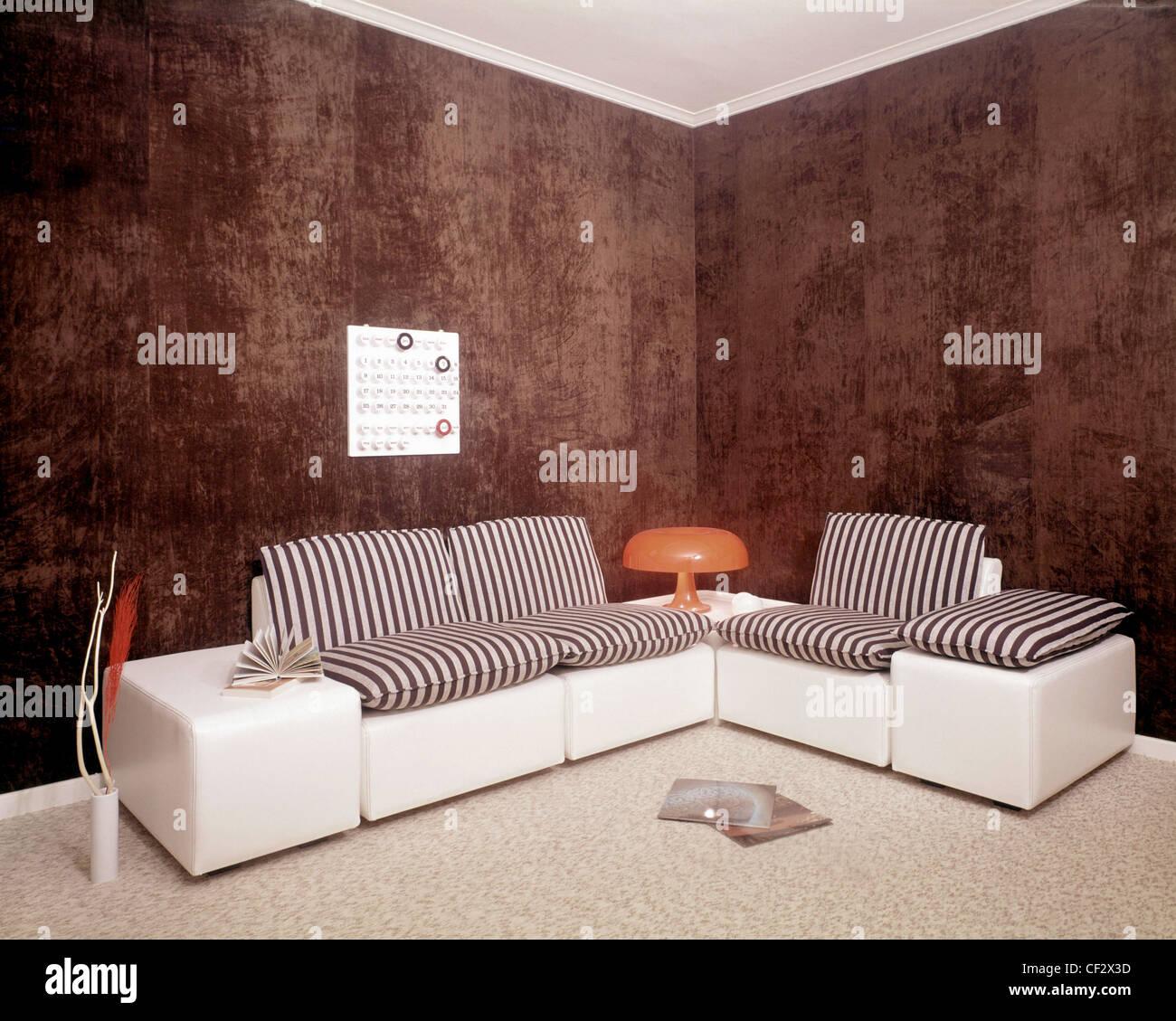 Notsale In Belgien S Wohnzimmer Braun Gefleckt Wande Und Weisse