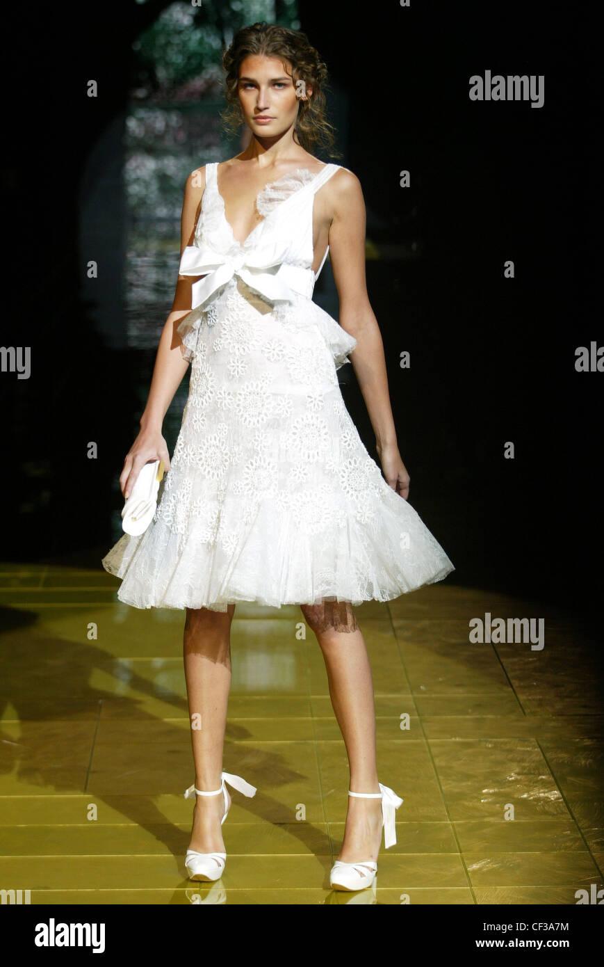 Haute Couture Elie Saab Frühling Sommer Paris Modell Eugenia ...