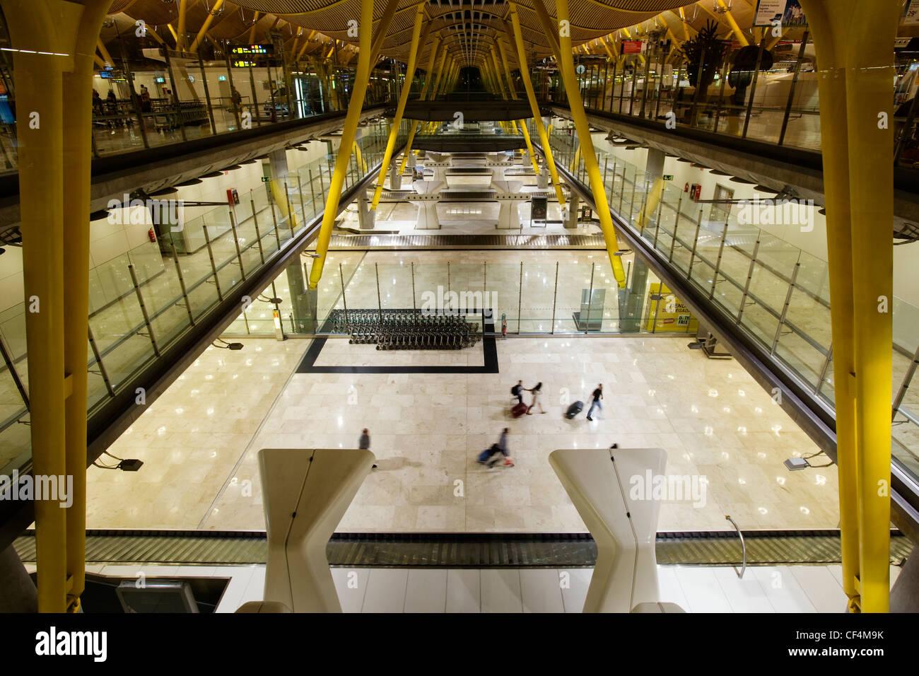 T4 Ankunftshalle Flughafen Madrid-Barajas, Spanien Stockbild