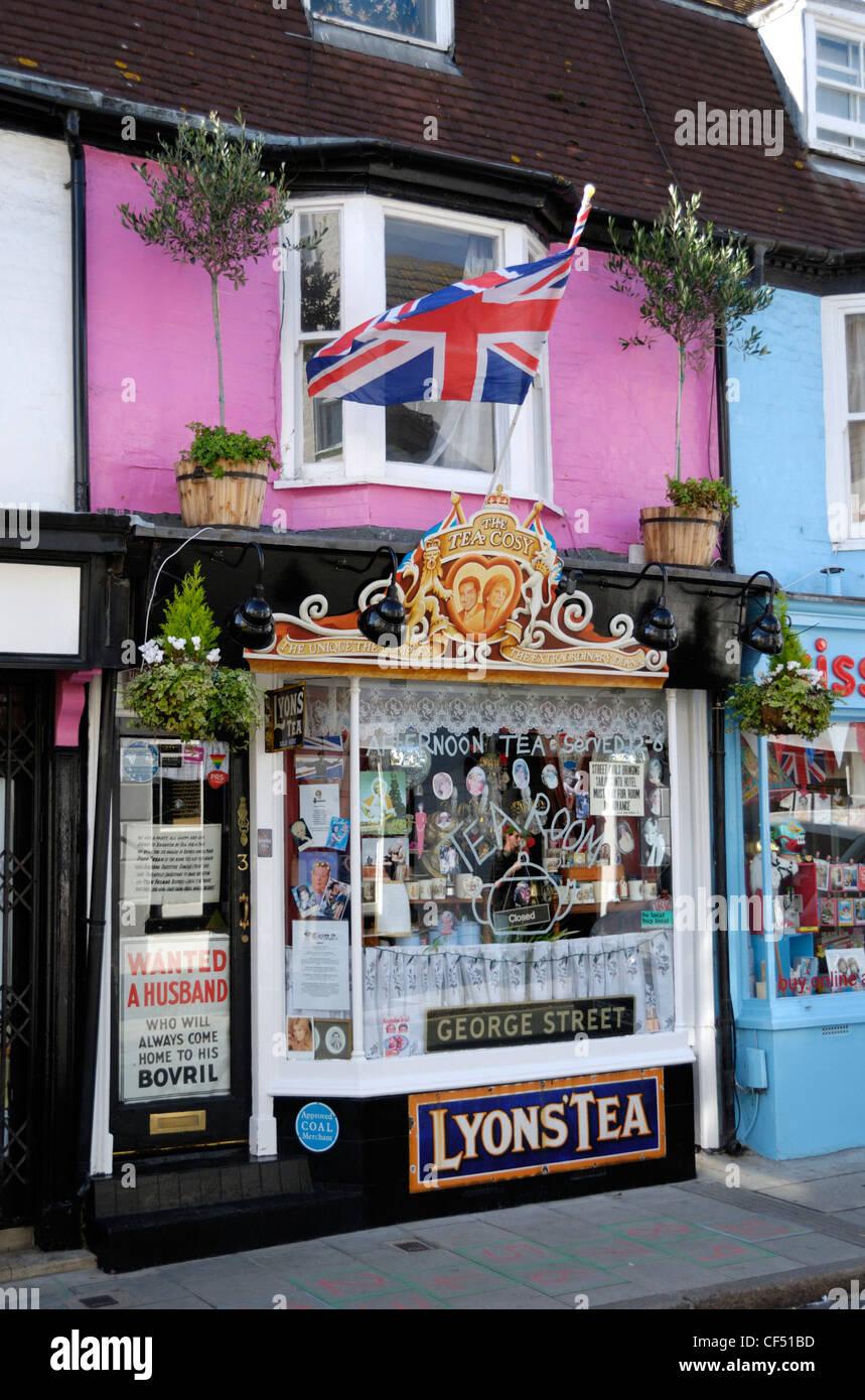 Der Tee gemütlich Teestuben in Brighton, gewidmet dem Andenken von Prinzessin Diana. Tee Zimmer Etikette gehört Stockbild