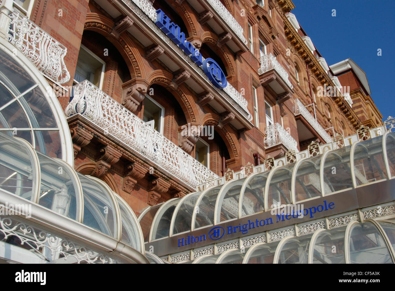 Die Fassade des Hotels Hilton Brighton Metropole. Stockbild