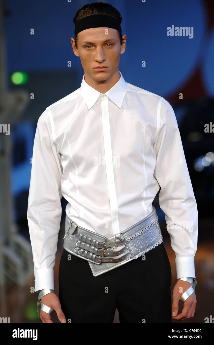 Udo Edling bereit zu tragen Menswear Paris A W Blondine