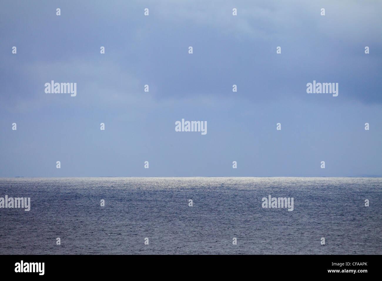 England, Glitzer, hellen Streifen, Silberstreif am Horizont, Meer, Regen, Schottland, Sonnenlicht, UK, Wester Ross, Stockbild