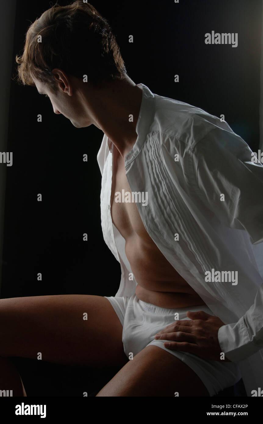 Mann, Körper, Person, Handlung, Aktion, Sit, Shirt, nachdenklichen, Blick Weg, Problem Stockbild