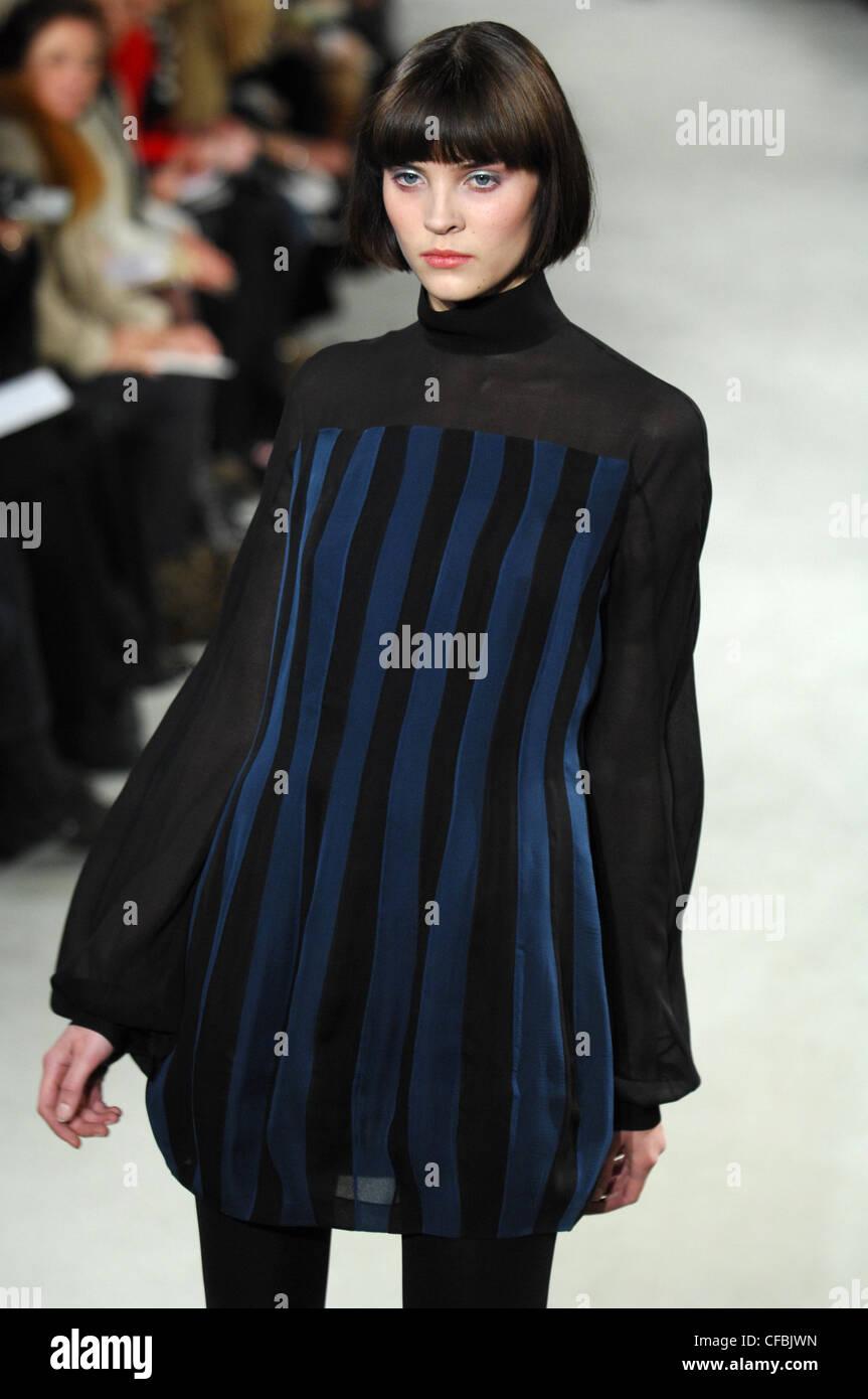 Hash Paris Haute Couture Frühjahr Sommer Modell Tauchte