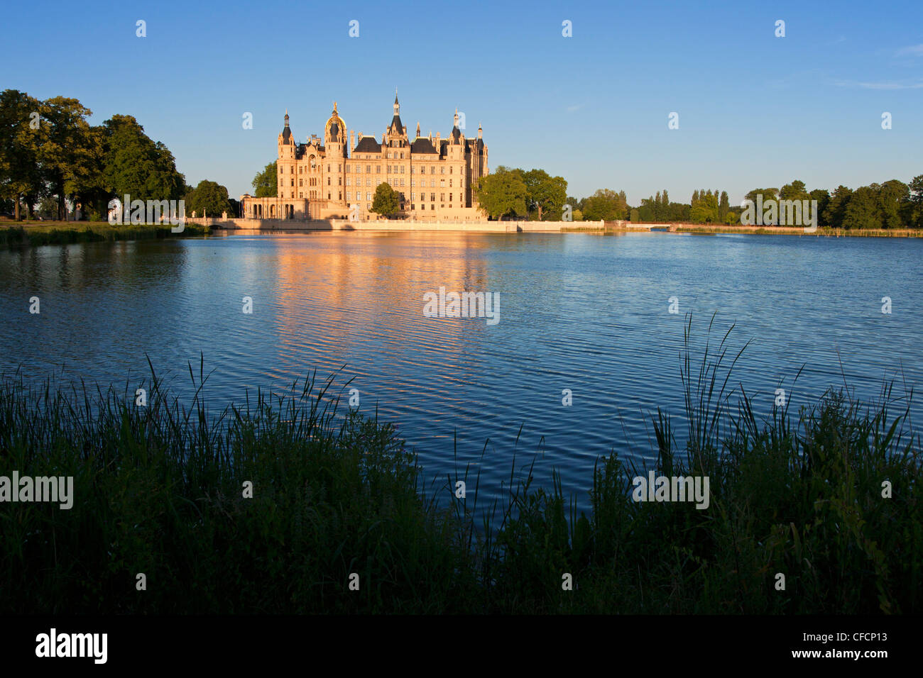 lake schwerin stockfotos lake schwerin bilder alamy. Black Bedroom Furniture Sets. Home Design Ideas