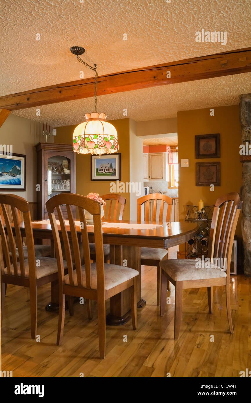 Tisch Stuhle Mobel Esszimmer Alte Kanadische Stockfoto Bild