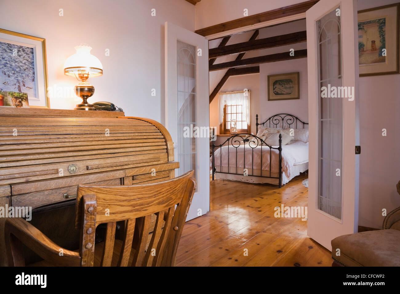 Französisch Türen Schlafzimmer geöffnet Stockfoto, Bild: 43924218 ...