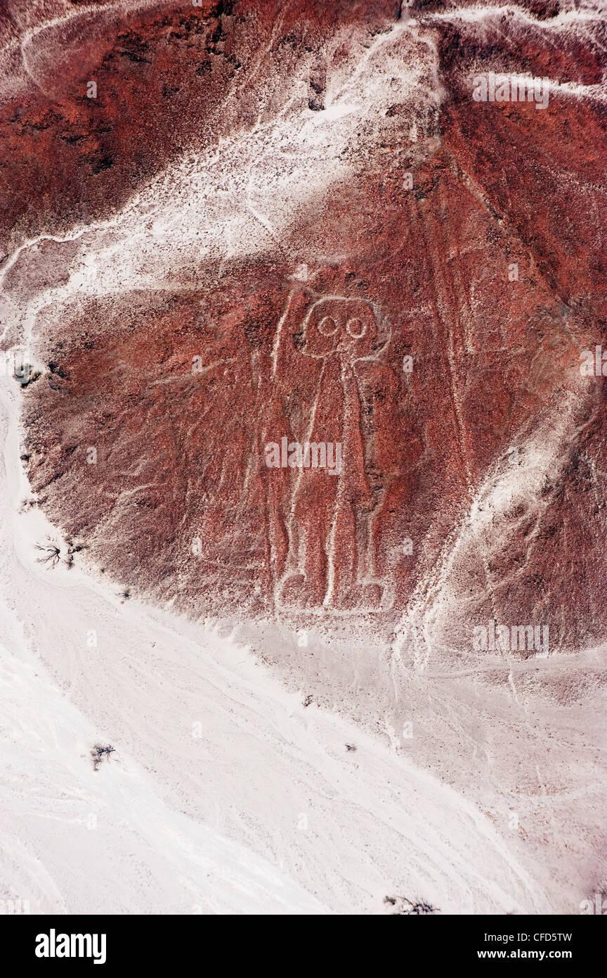 Spaceman, Linien und Geoglyphen von Nasca, UNESCO World Heritage Site, Peru, Südamerika Stockbild