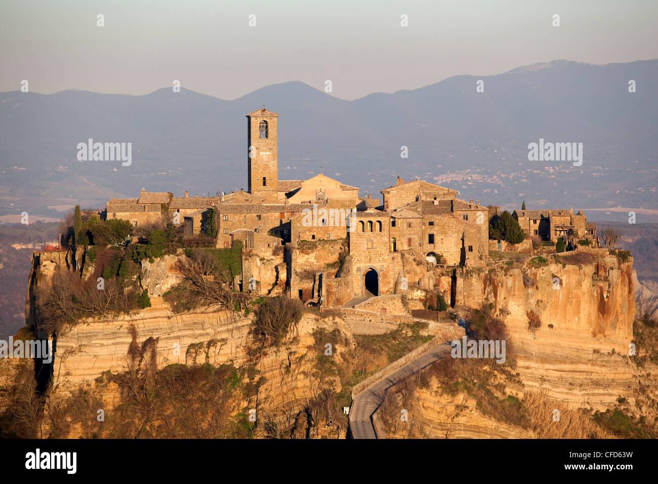 Civita di Bagnoreggio, ein einzigartiges Beispiel für ein Mittelalter City, Lazio, Italien, Europa Stockbild