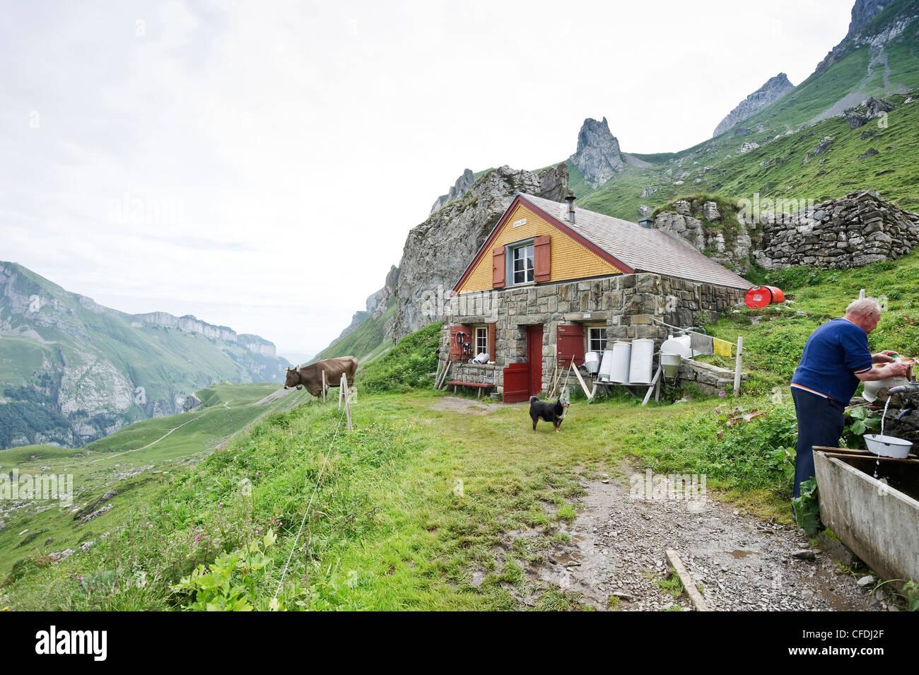 Alphütte auf Meglisalp, Alpsteingebirge, Säntis, Appenzeller Land, Schweiz, Europa Stockbild