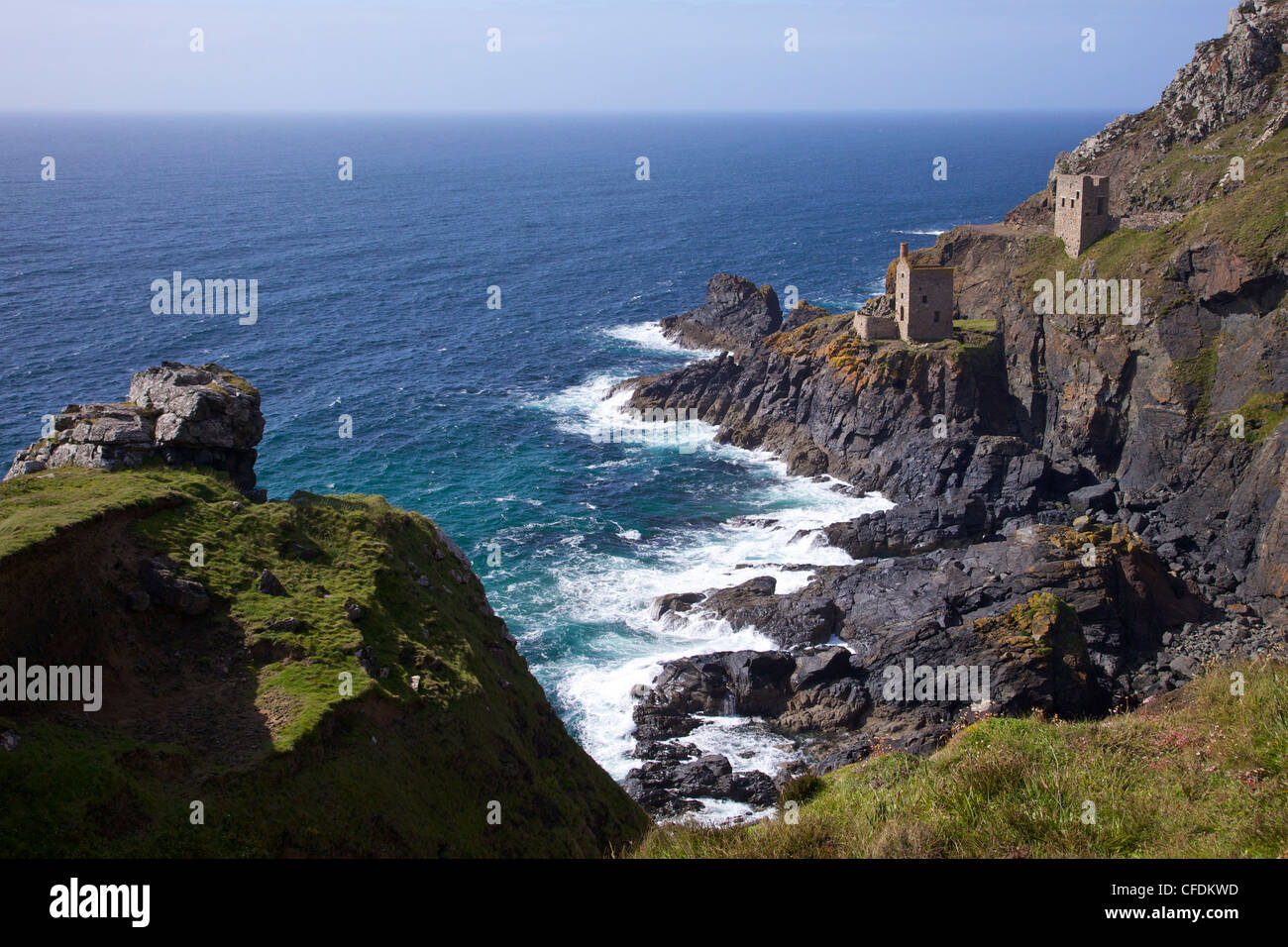 Botallack Kronen Zinnmine, in der Nähe von St. Just, Cornwall, England, Vereinigtes Königreich, Europa Stockbild