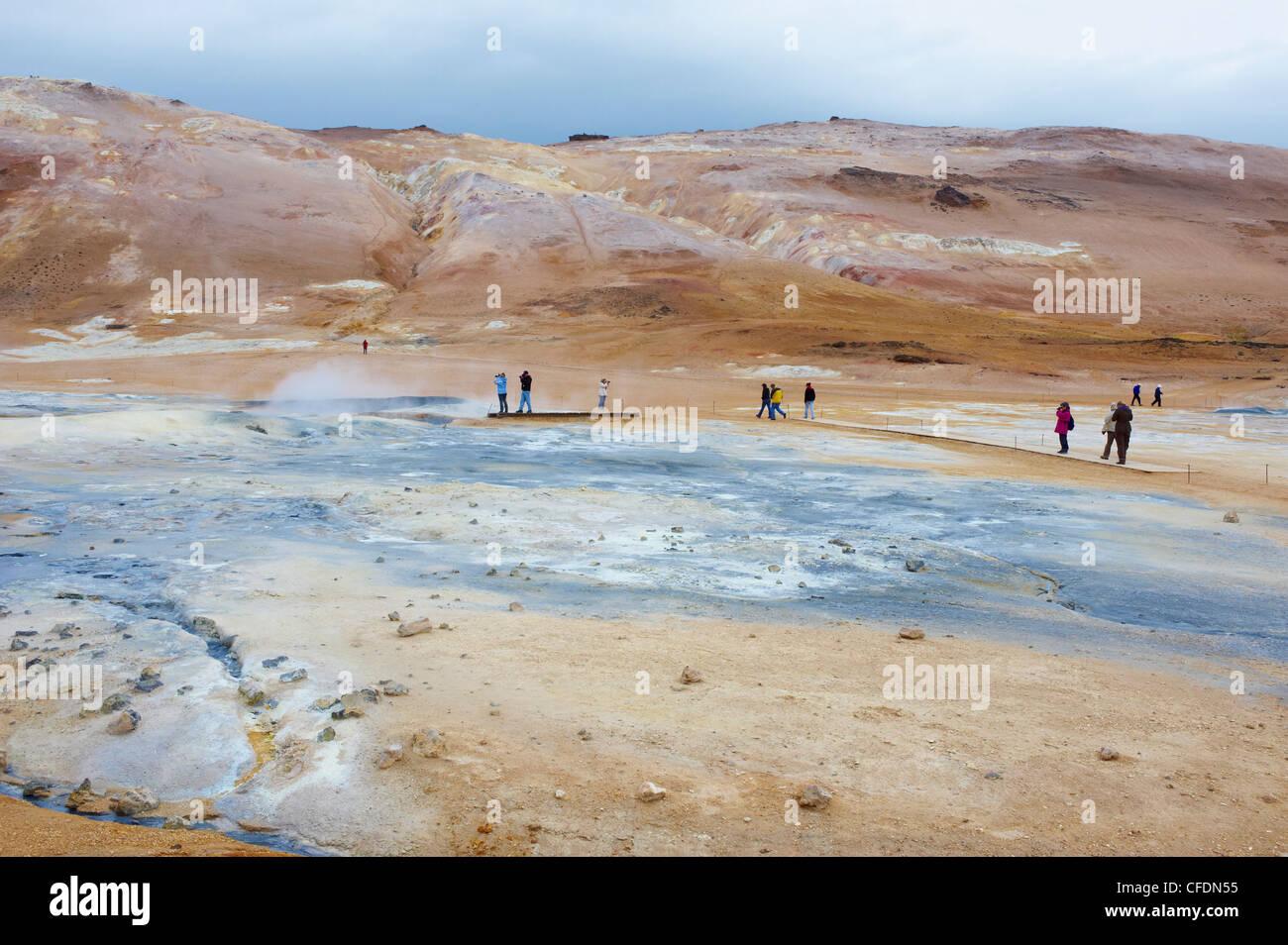 Hverir geothermischen Feldern am Fuße des Namafjall Berg, See Myvatn Gebiet, Island, Polarregionen Stockbild