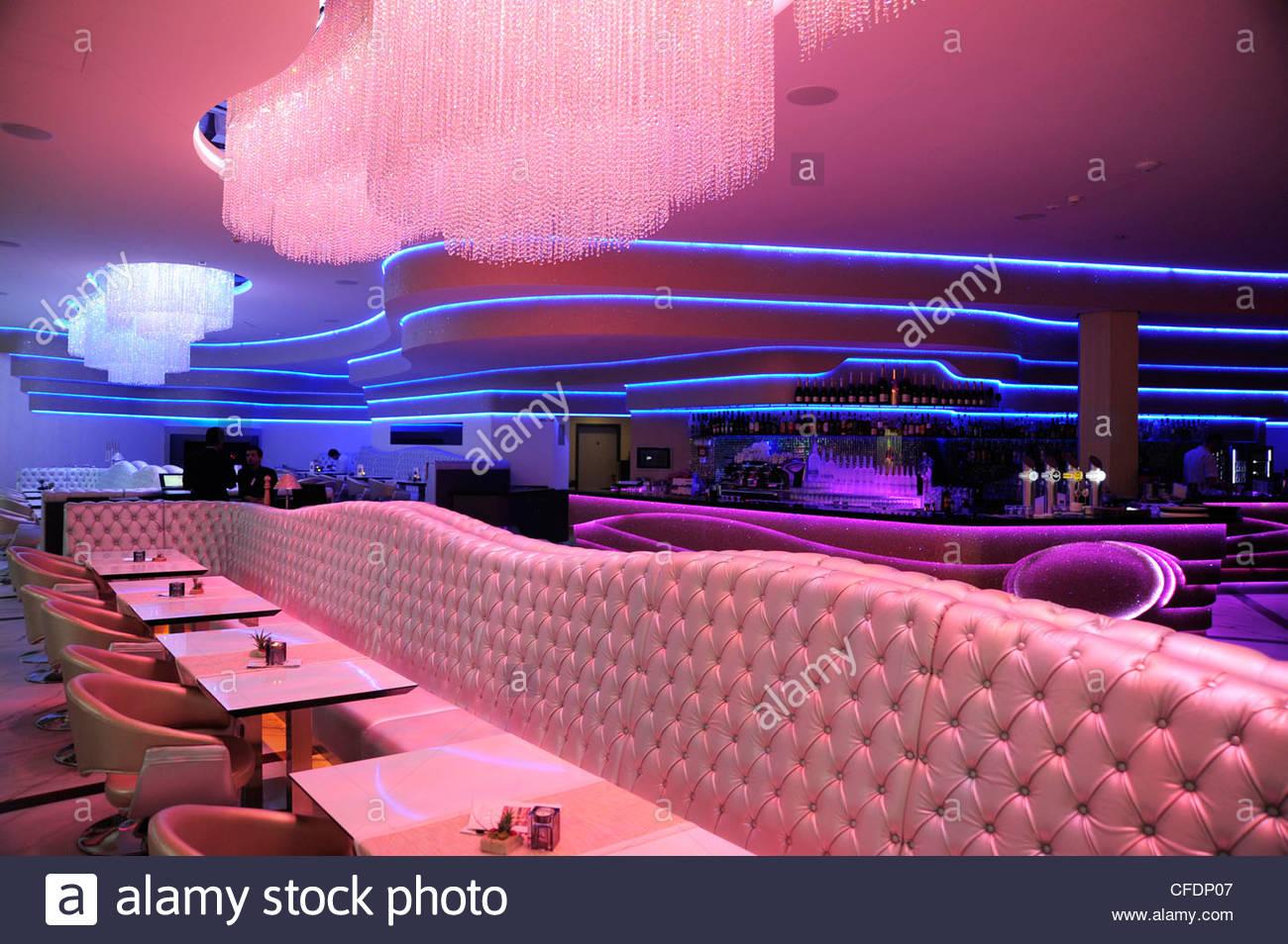 Interior design mio ristorante bar und lounge unter dem fernsehturm