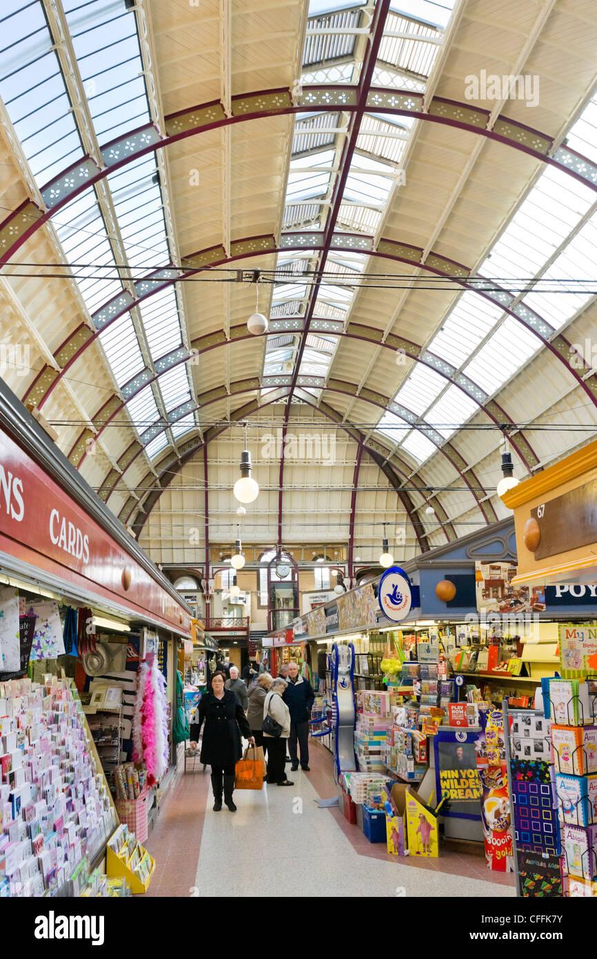 Innenraum der Markthalle, Derby, Derbyshire, East Midlands, England, UK Stockbild