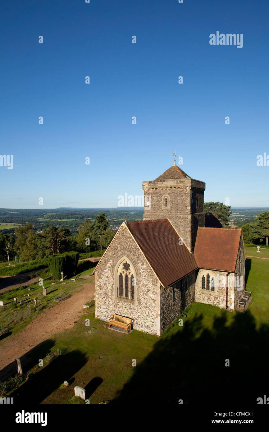 St. Marthas Kirche, St. Marthas Hill, Surrey Hills, North Downs Way, in der Nähe von Guildford, Surrey, England, Stockbild