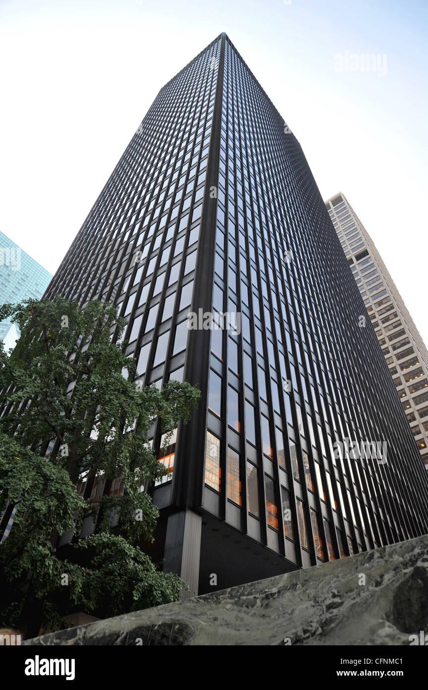 Seagram Building von Mies van der Rohe, New York. Die 1 ...