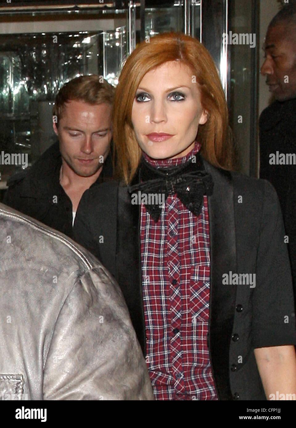 Ronan Keating, Mit Seiner Frau Yvonne Connolly Feiern Valentinstag Nacht Im  Ivy Club. London, England   14.02.11
